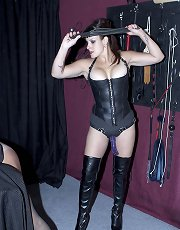 Mistress Luxe strap-on
